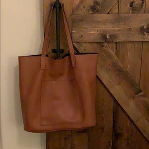 Handbags - Large tan tote bag